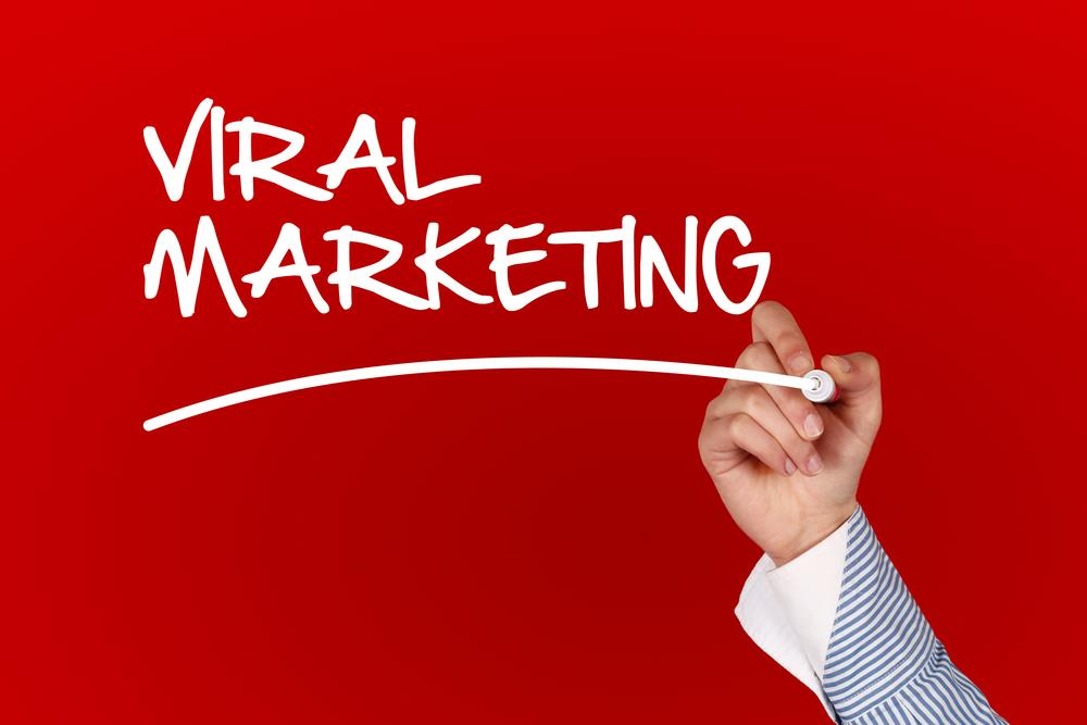 viral advertising Le marketing viral est une technique qui vise à promouvoir une entreprise ou ses produits et services à travers un message persuasif qui se diffuse d'une personne à une autre [1] on parle de marketing viral puisque l'offre se déploie comme un virus [2.